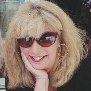 Successful business woman seeks executive soulmate