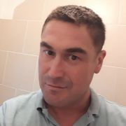 Fit , active , practical good looking bloke. Well travelled, professional and would love o meet the
